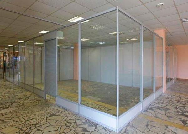 Как сделать стеклянную перегородку в торговом центре - Bonbouton.ru